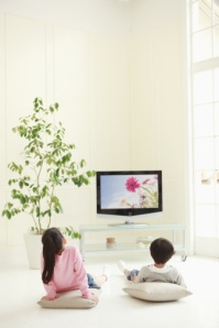 Children watching television, how to correct?